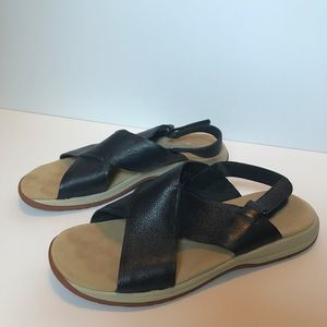 Rockport navy criss cross strap sandals size 8.5